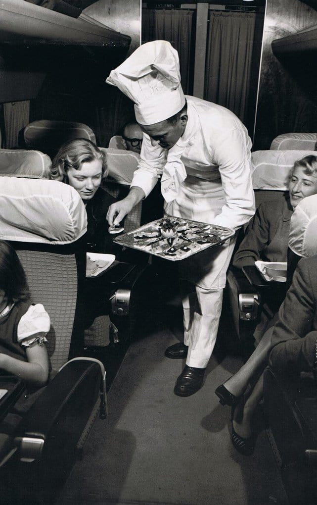 Постойте, это икра?!   А это обед от British Airways в 60-е