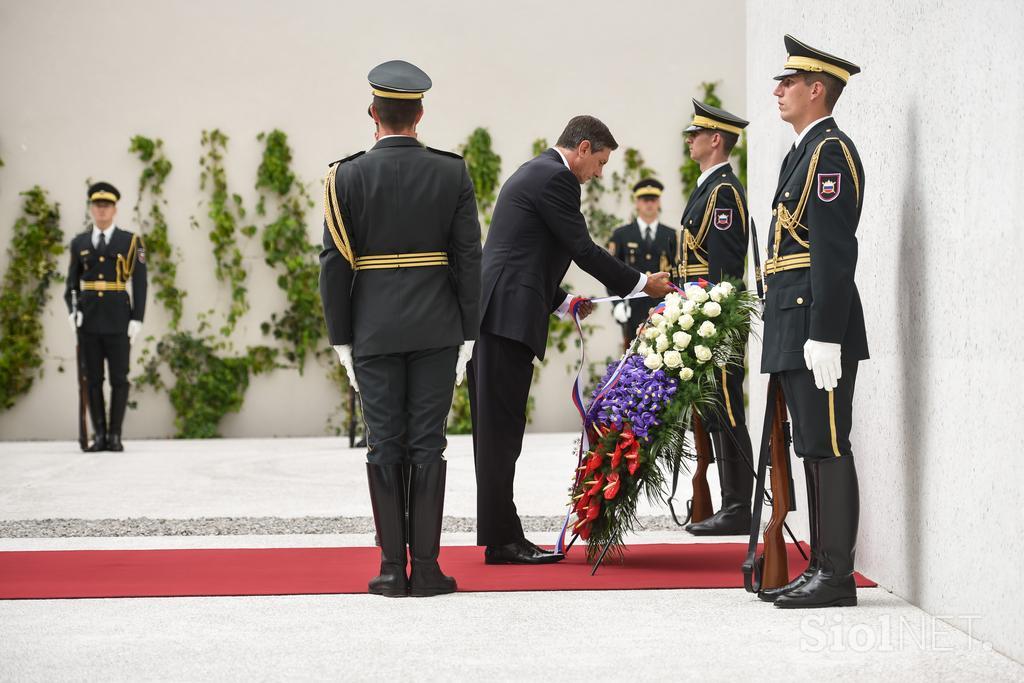 20170713_18-26--Pahor- Spomenik zrtvam vseh vojn bo nagovarjal k miru in spravi-picA
