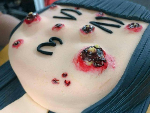 Прыщавый тортик