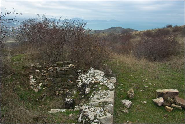 Руины храма над Коктебелем