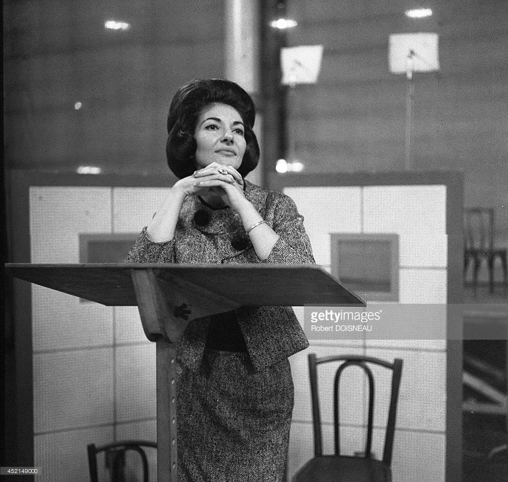 1963. Мария Каллас на репетиции в клубе Salle Wagram в мае
