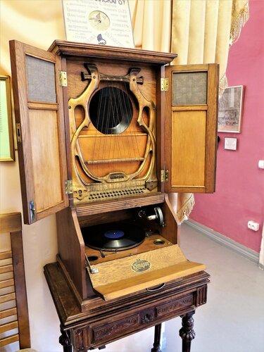 Струнный граммофон «Klingsor» (открыт)