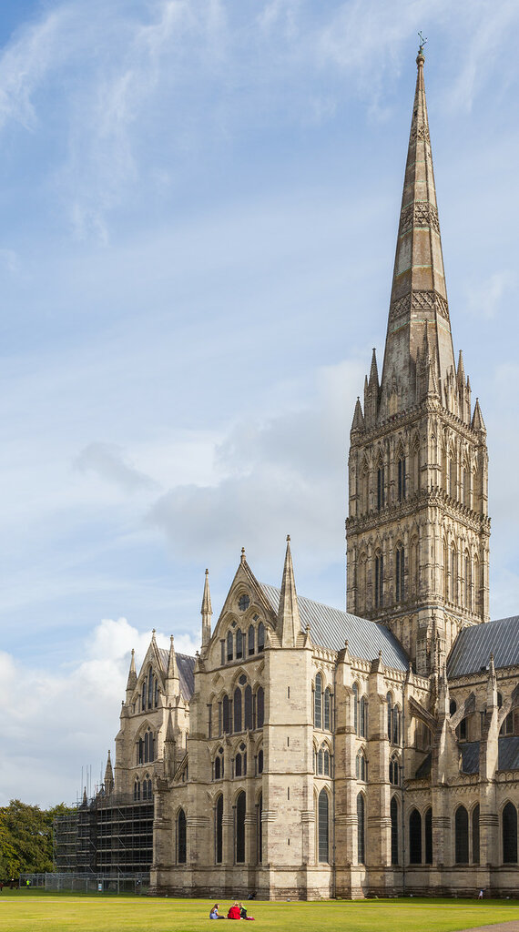 Catedral_de_Salisbury,_Salisbury,_Inglaterra,_2014-08-12,_DD_04.JPG