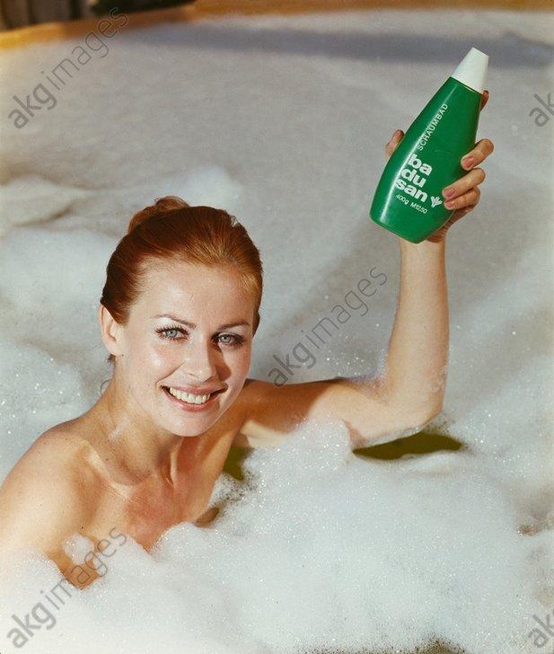 Badusan Schaumbad / Werbefoto, 1973. - Badusan Schaumbad / Advertisement 1973 -