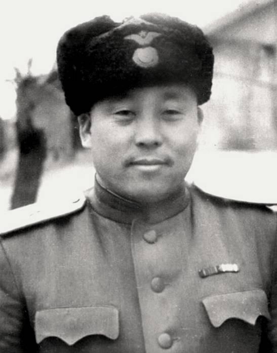 Kim-Von-Gir-01.jpg
