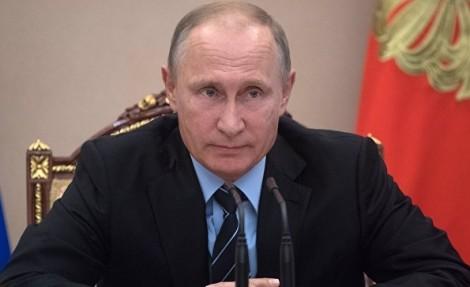 Путин призвал отвязать размер страховых взносов малого бизнеса от МРОТ