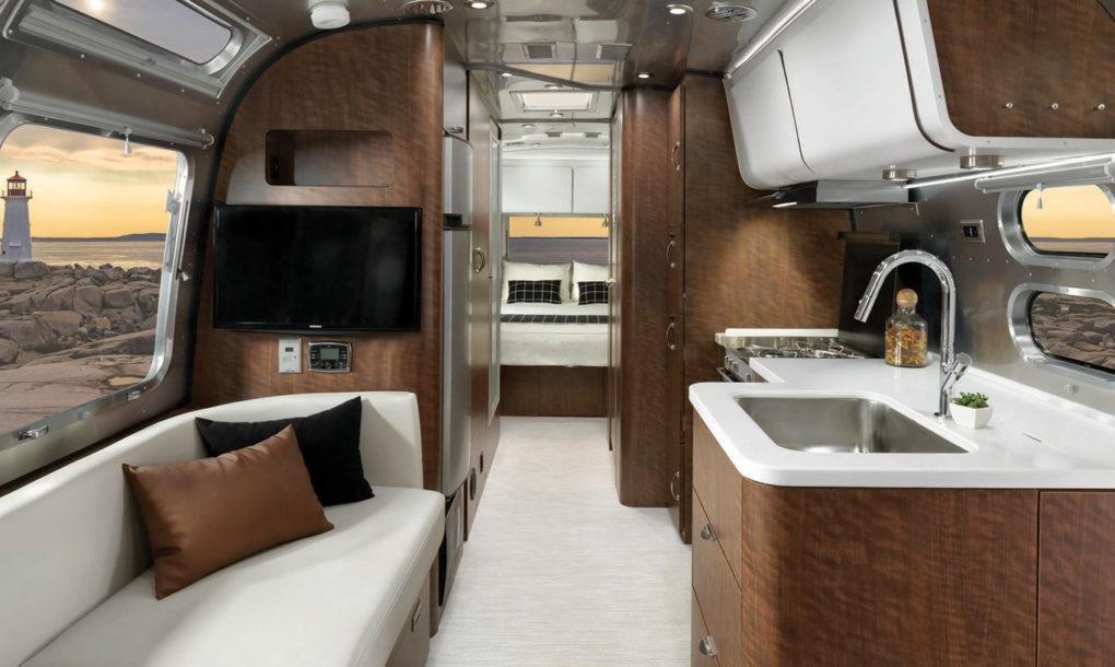 Культовый дом на колесах Airstream возвращается на дороги