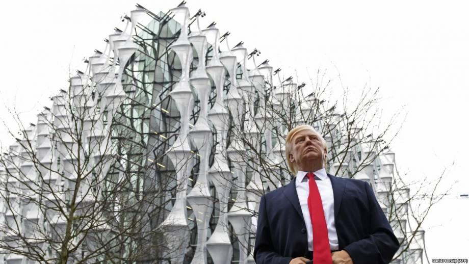 В Британии возразили, что отмененный визит президента США должен был быть государственным