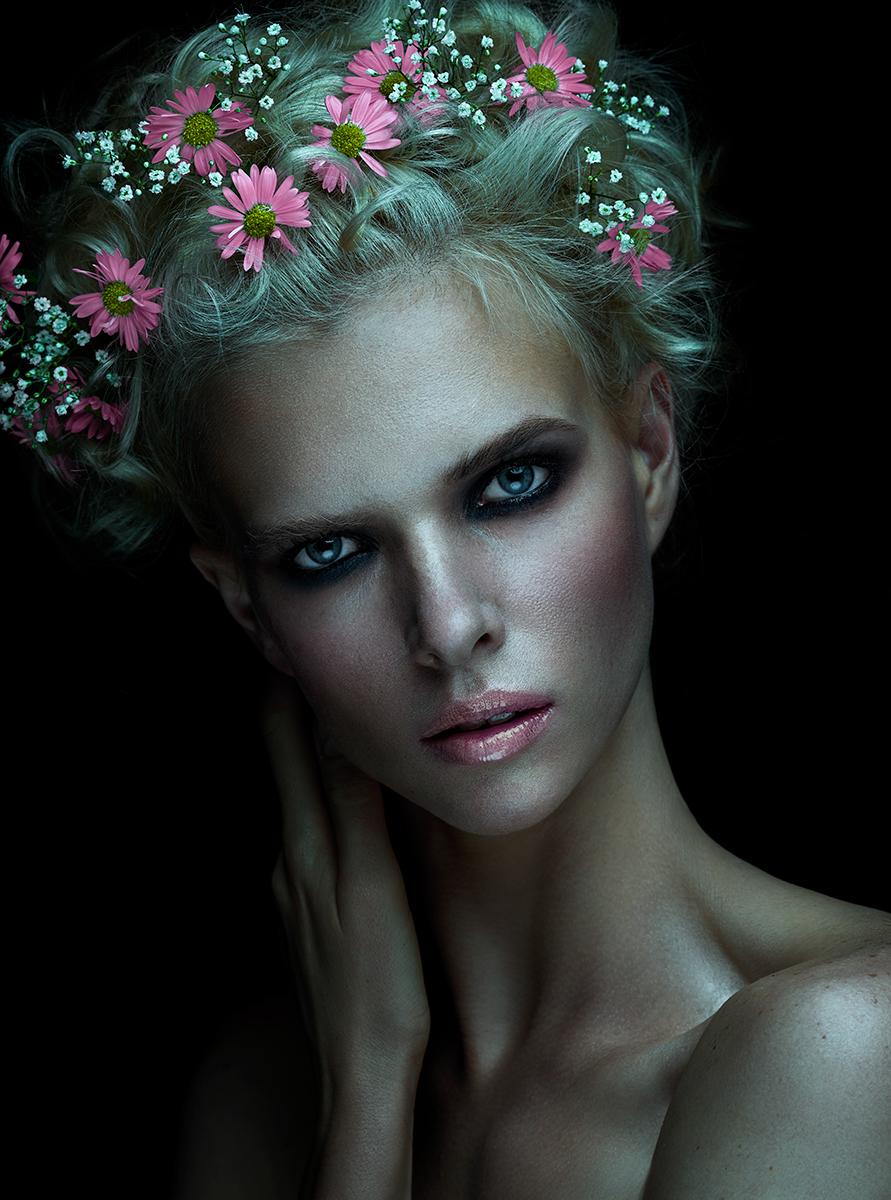 Flower Bomb for Ellements magazine / фото Stefka Pavlova