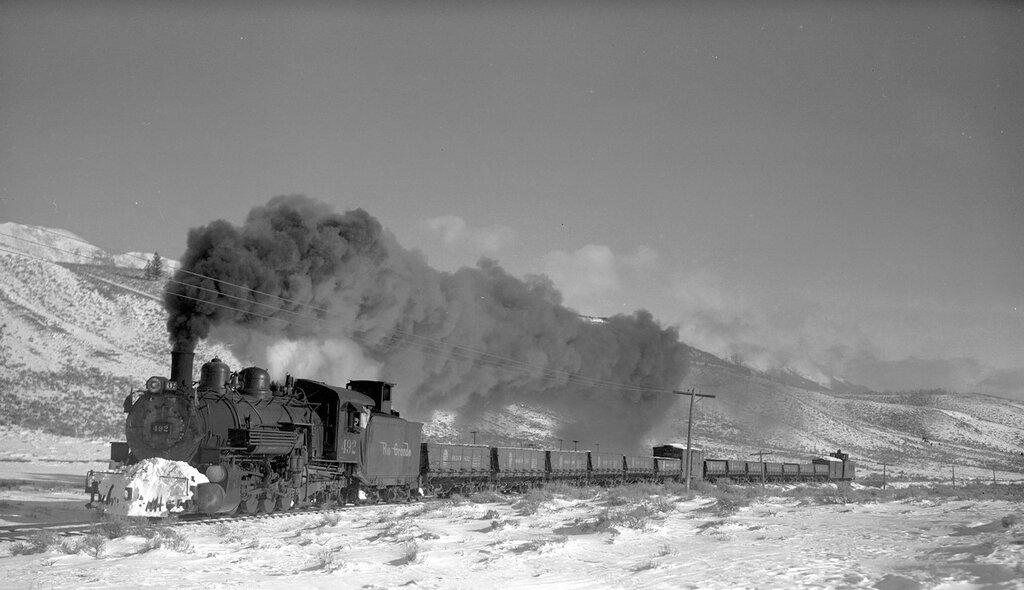 Denver & Rio Grande Western train (Narrow Gauge), engine number 492, engine type 2-8-2, near Round Hill, Colo., November 24, 1940.