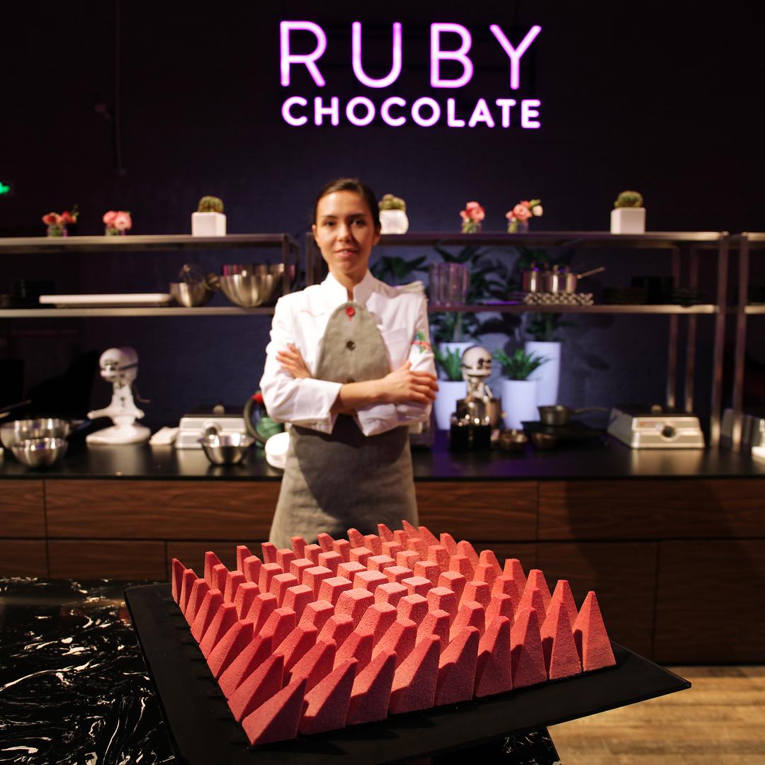 Креативный десерт из нового вида шоколада от Динары Касько