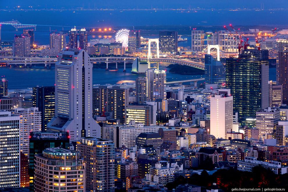46. В черте Большого Токио через неширокие речки и протоки построено несколько десятков автомобильны
