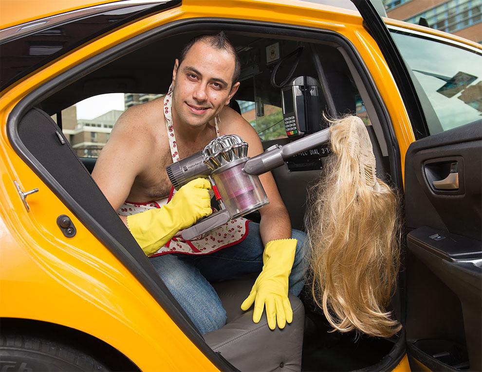 Хотят на работу в FakeTaxi? Нью-йоркские таксисты источают сексуальность для календаря на 2018 год