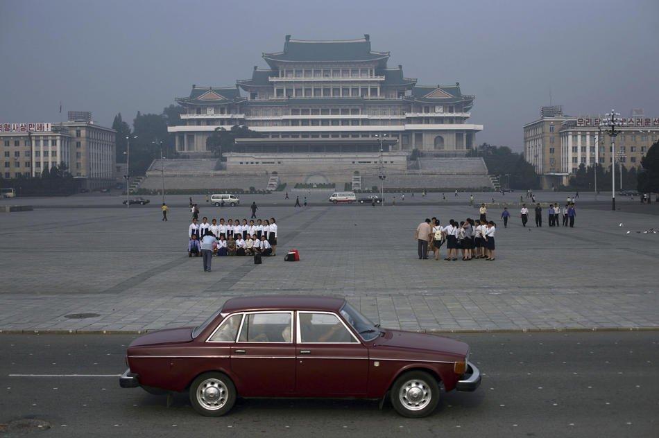 Полное отсутствие машин и пробок, Пхеньян, 19 сентябрем 2008.  В частном пользовании автомоби