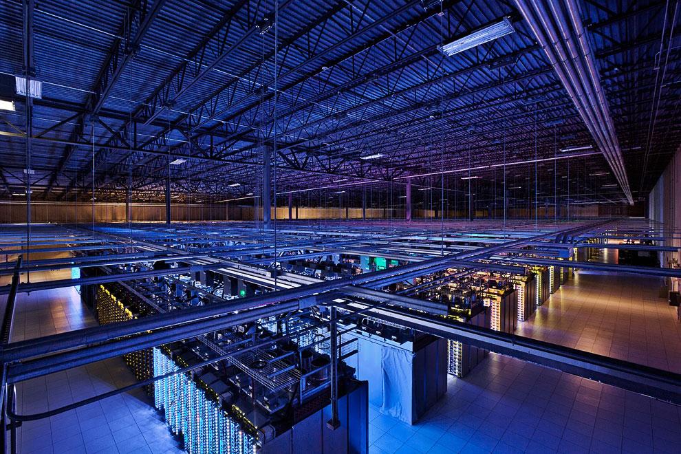 4. Дата центр в  Айова, США . Системы охлаждения серверов выглядят грандиозно: