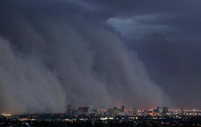 Пугающая песчаная буря в Аризоне (6 фото)