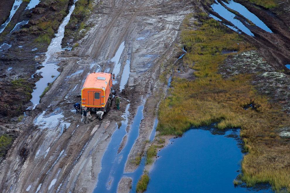 По пути в Новый Уренгой облетели усовершенствованную буровую ВТБ-Лизинг — установка поставлена на ре