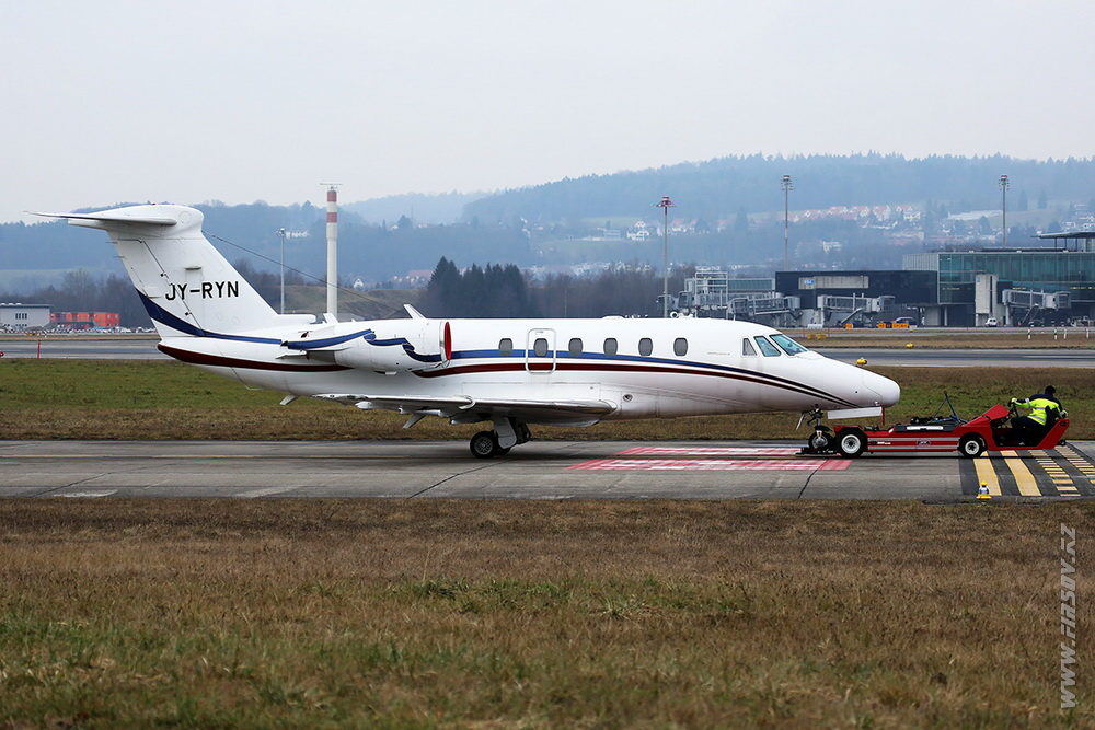 Cessna_650_Citation_VII_JY-RYN_RayaJet_1_ZRH.JPG