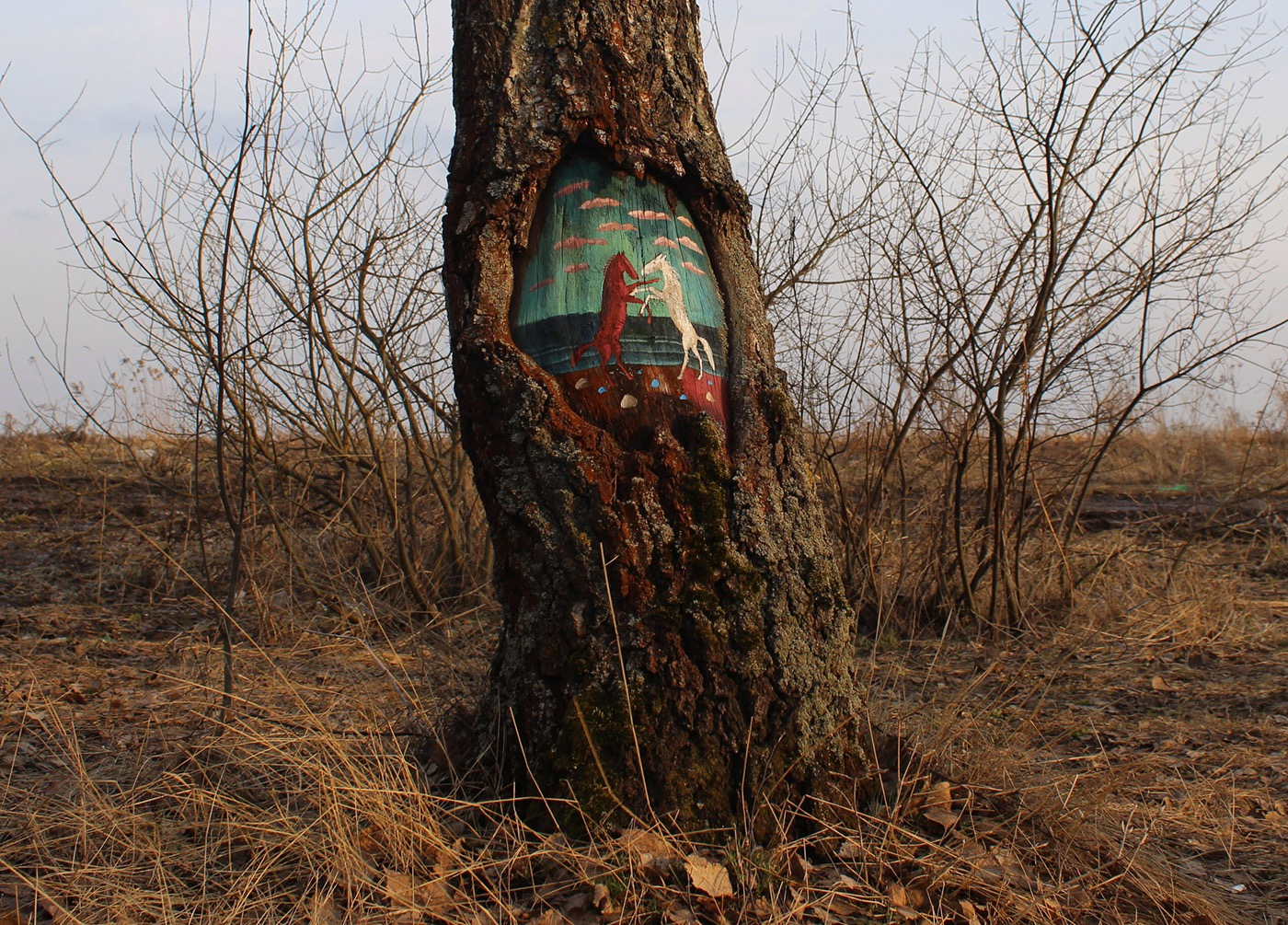 Beautiful and Poetic Drawings on Trees (5 pics)