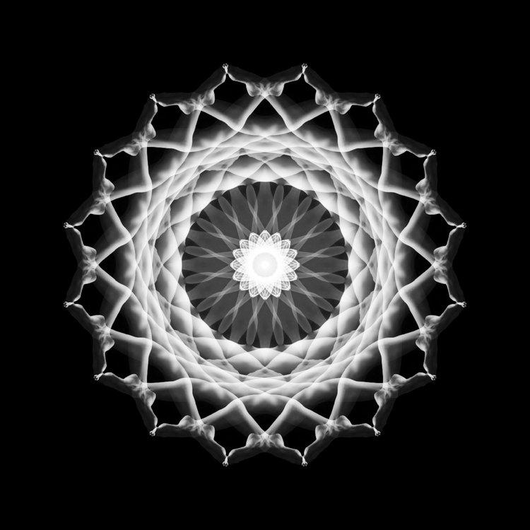 Impressive Body Mandalas (14 pics)