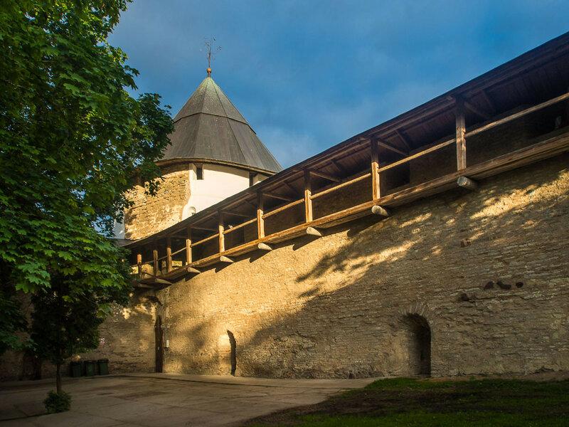 В XVI в. монастырь был тщательно укреплён преподобным мучеником Корнилием.