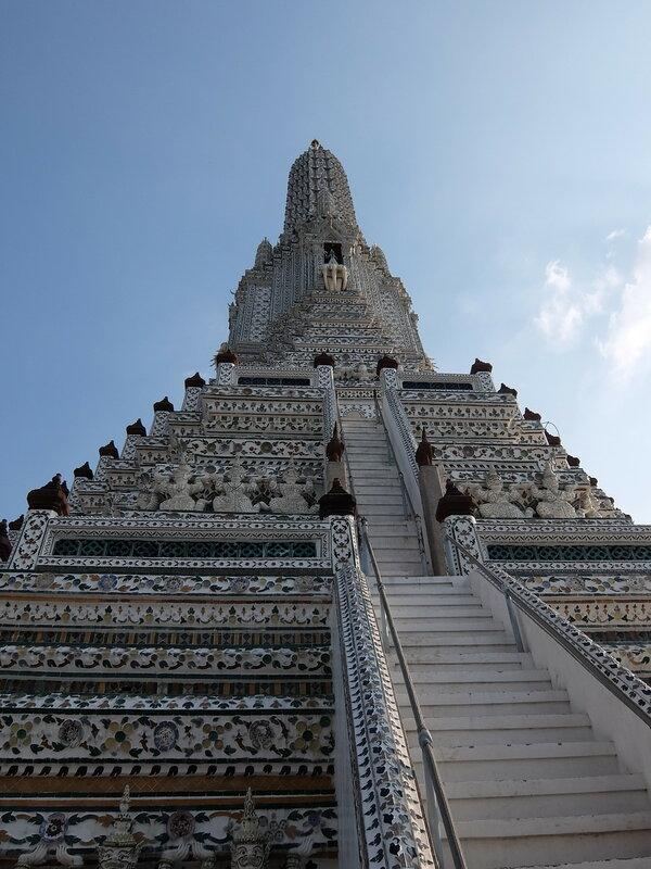 Бангкок - По лестнице вверх на Ват Арун