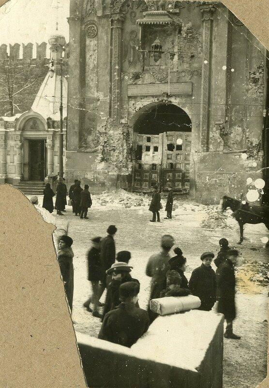 68919 обстрел Кремля Никольские ворота.jpg