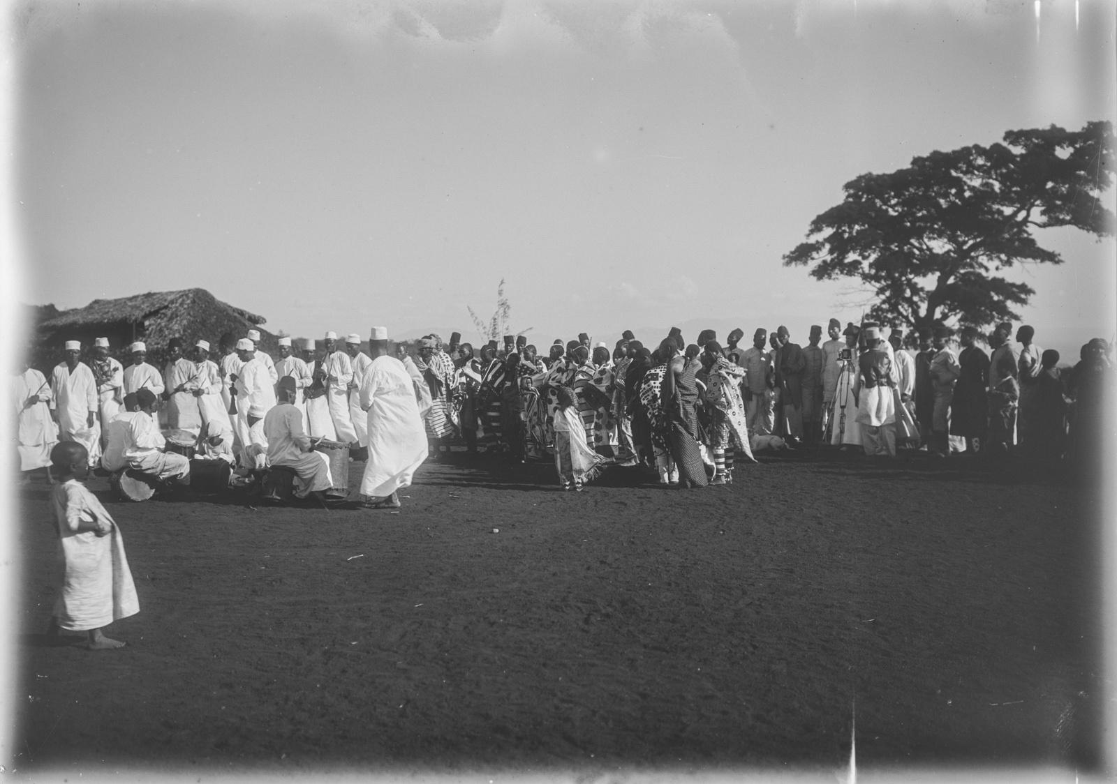 127. Станция немецкого общества Восточной Африки (ДОАГ) в Моши. Праздник во время Рамадана