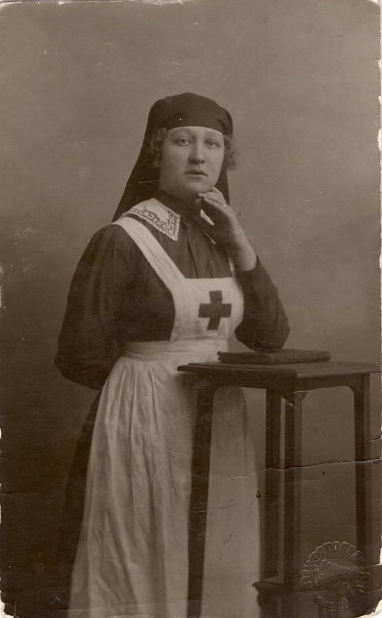Санитарка Красного Креста  Нина Жилкина, погибшая на фронте. 1917