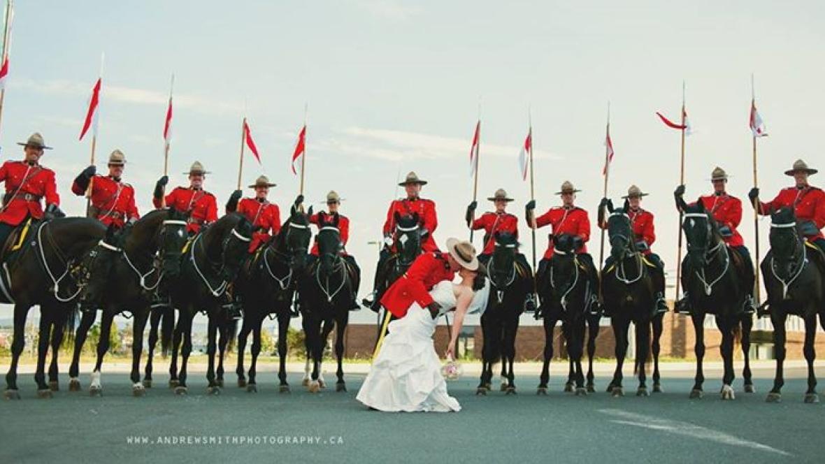 rcmp-musical-ride-wedding-photo-mount-pearl.jpg