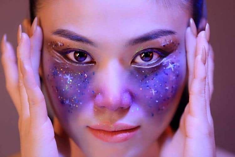 Новый модный тренд: галактический макияж