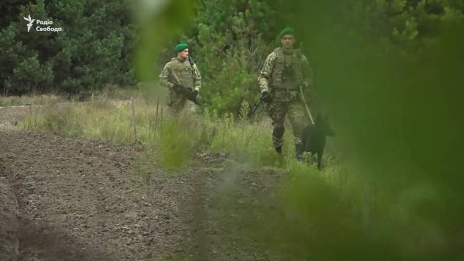 Границу с Беларусью: пограничники усилили бдительность (видео)