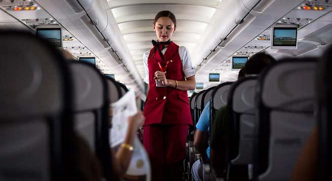 стюардессы против авиадебоширов