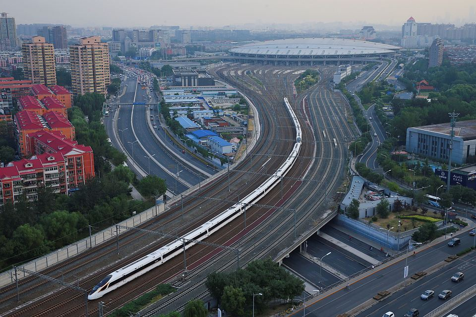 ИзПекина вШанхай начал курсировать высокоскоростной поезд «Фусин»