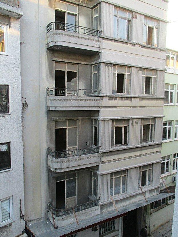Istanbul. Peykhane Caddesi Street)