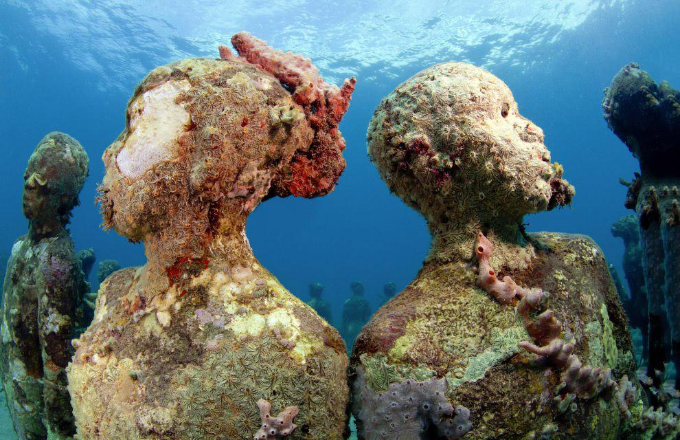 Скульптура банкира Джейсона Тейлора, является частью подводного мира в Национальном Водном Па