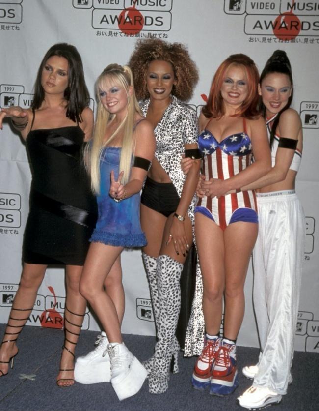 © Spice Girls  © Shooting Star/Sipa USA/East News     В1990-е высота платформы дос
