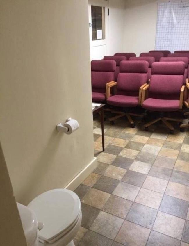 © imgur.com      Внашей общаге установили новый туалет