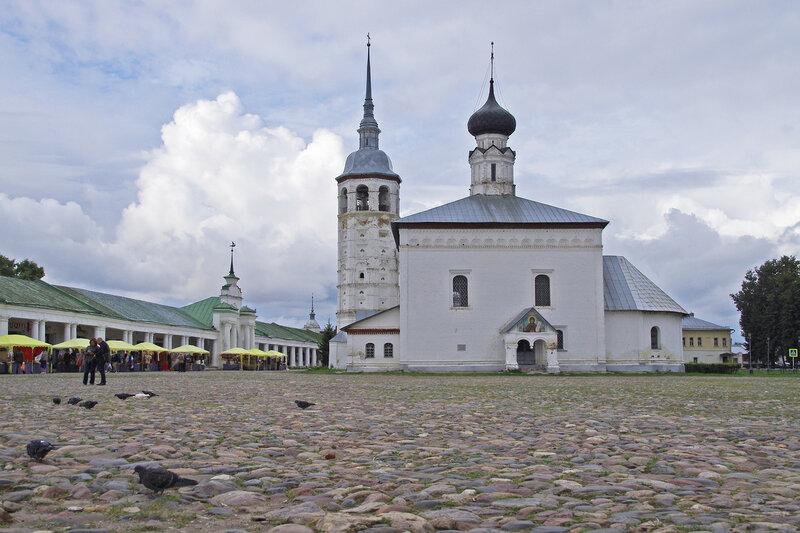Торговая площадь и Воскресенская церковь