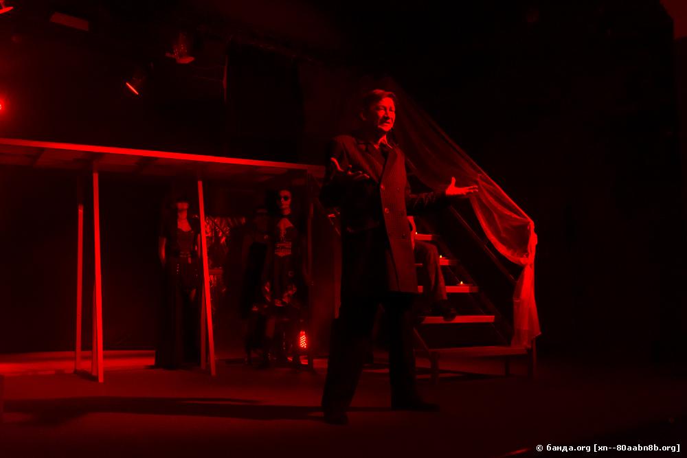 Казачий театр. В пылающей тьме