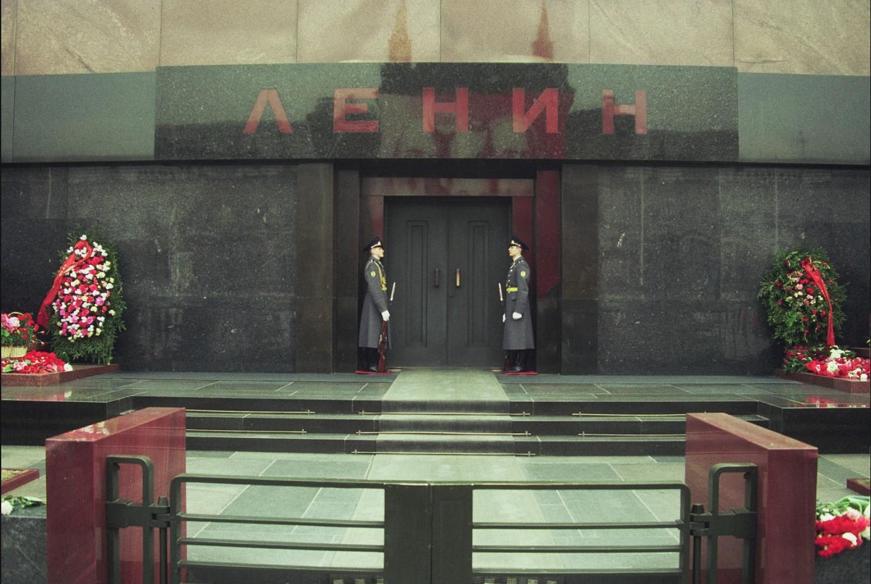 Красная площадь. Стража у Мавзолея