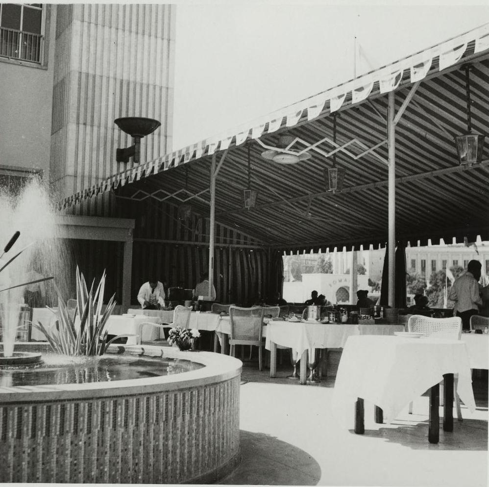 Павильон Германии. Ресторан расположенный на крыше павильона