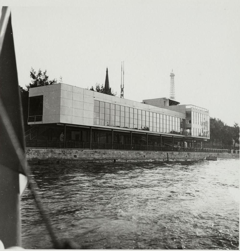 Павильон Союза современных художников. Фасад на Сене. Ресторан на крыше