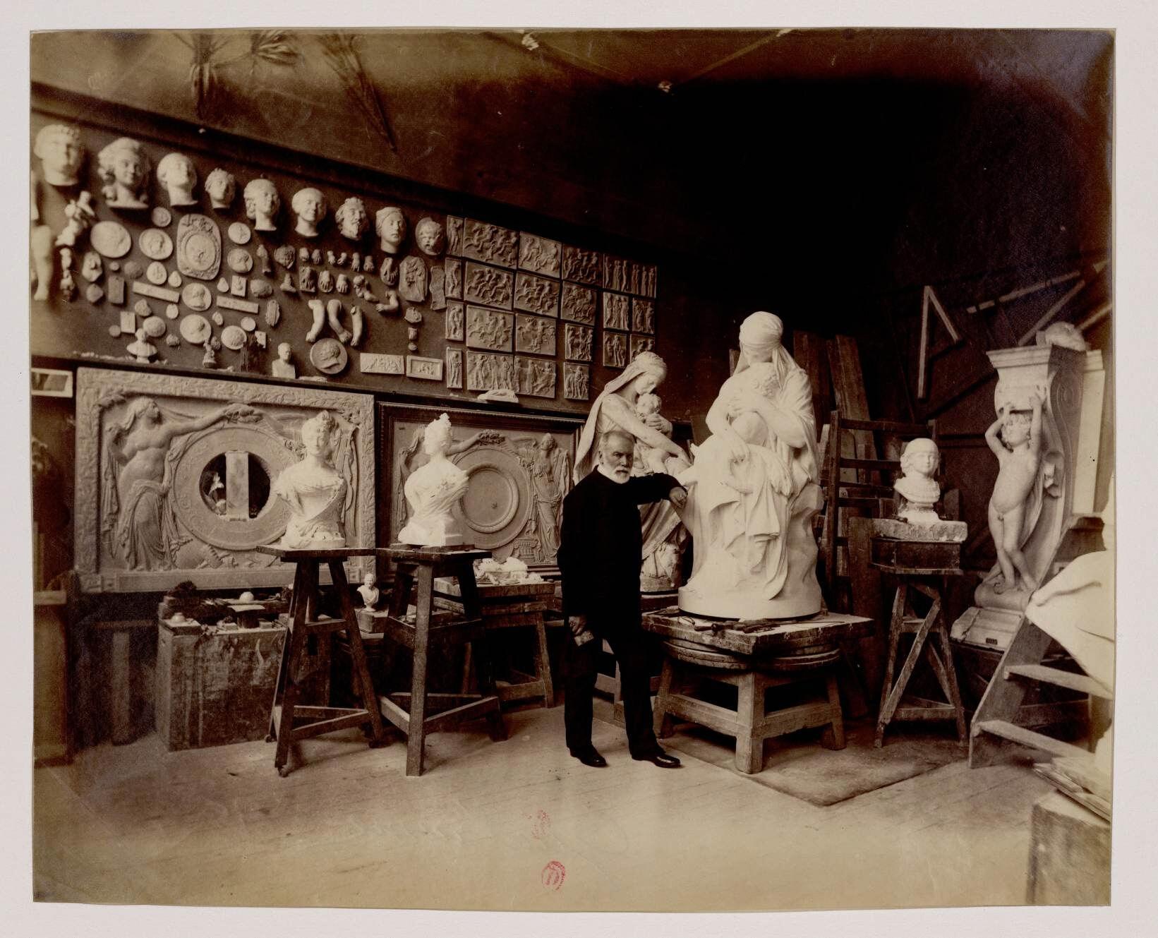 Эжен Гильом (1822—1905) — один из лучших скульпторов Франции XIX века
