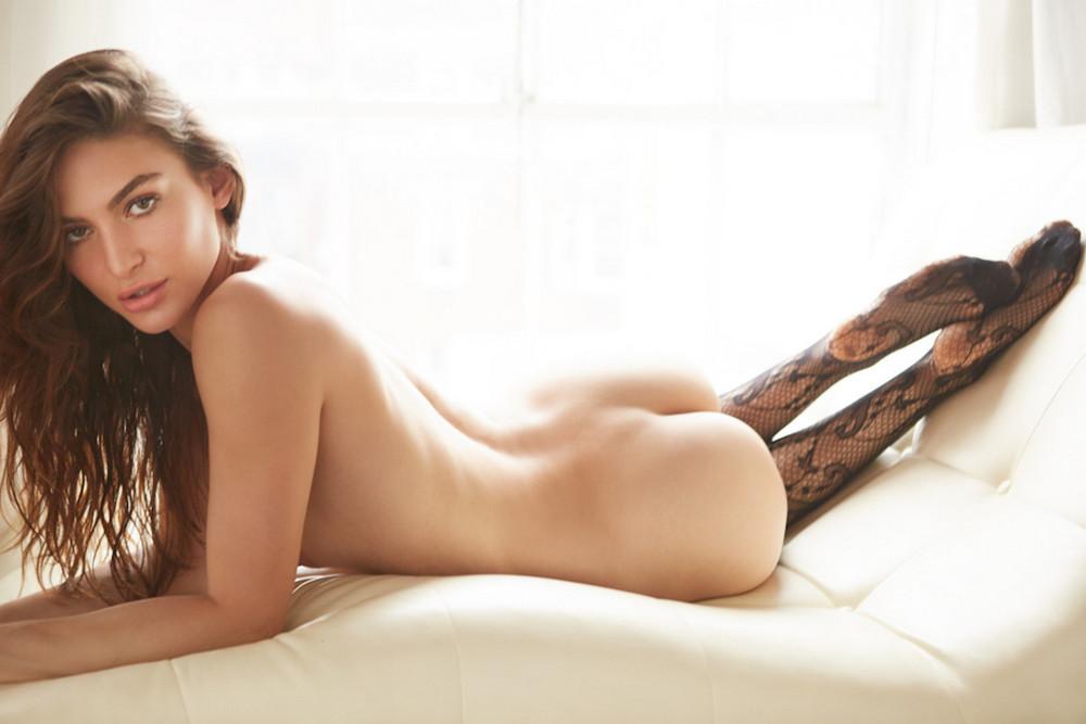 Кристина Ионно в журнале Maxim
