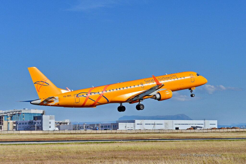 Фото руководителя у самолета зимой сижу