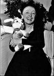 Edith Piaf avec son lapin