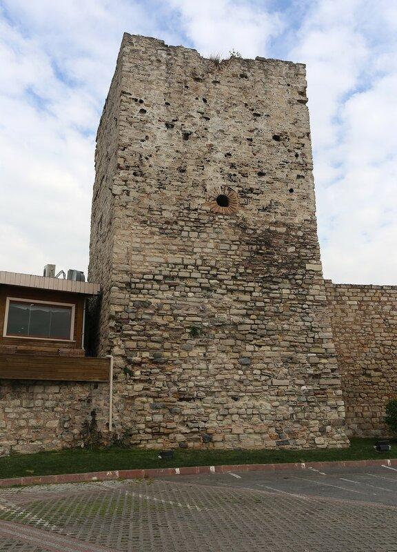Стамбул. Мраморноморские стены (Marmara Kulesi)