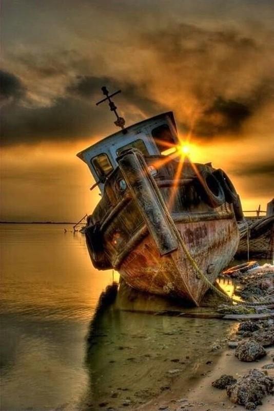 0 182c1d eded7a07 orig - На мели: фото брошенных кораблей