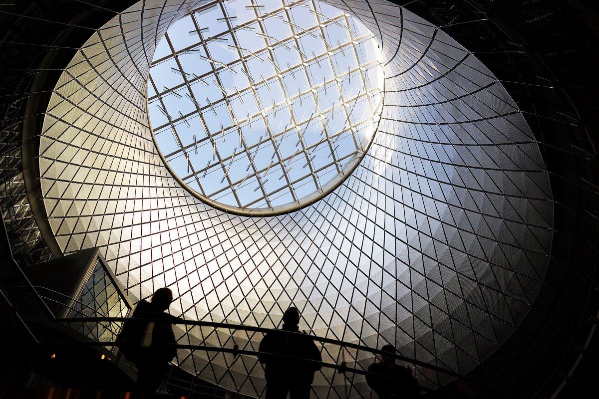 С тех пор люди успели построить невероятные здания. В прошлом году в Нью-Йорке открылся футуристичес